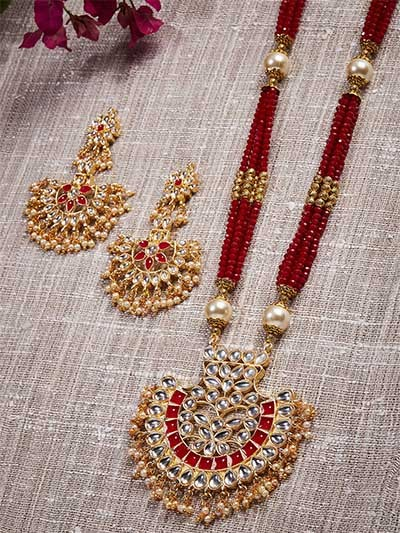 Golden & Red Gold-Plated Kundan Jewellery Set