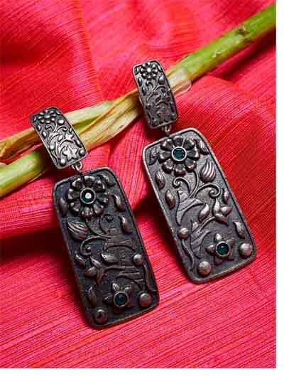 Geometrical Brass Based Oxidized Silver Earrings With Floral Motifs
