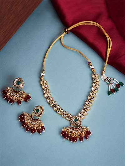Maroon Gold-Plated Kundan Studded Jadau Jewellery Set