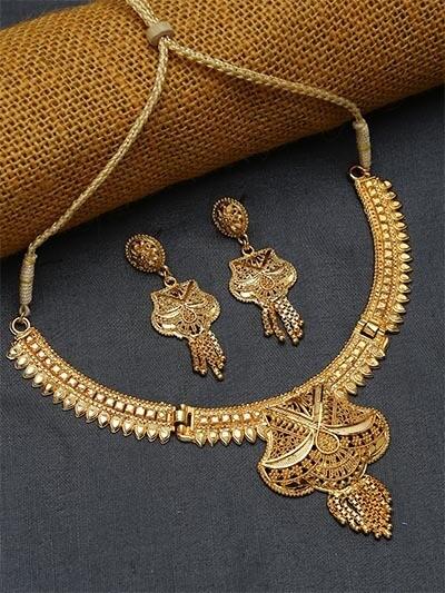 Classic Ethnic Golden Necklace Set