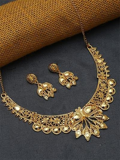 Classic Golden Necklace Set with Floral Motifs