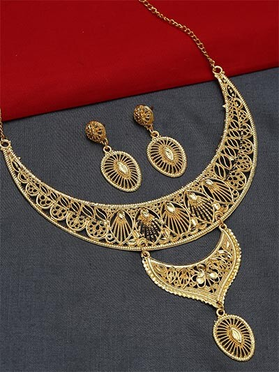 Classic Golden Necklace Set
