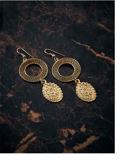 Circular Artificial Earrings in Golden Color