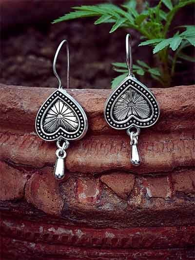Lightweight Oxidized Silver Heart Dangler Earrings
