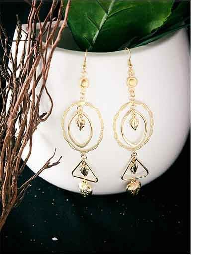 Long Geometrical Artificial Earrings in Golden Color