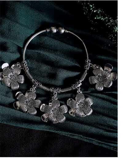 Oxidized Silver Charm Bracelet With Chunky Flowers