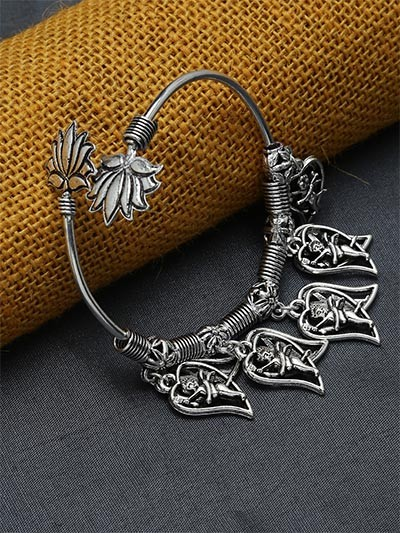 Adjustable Oxidized Silver Bracelet with Cupid Charms