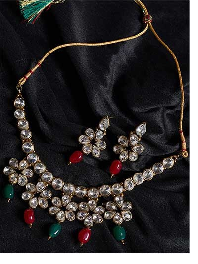 Crystal Glass Handmade Necklace Set With Hanging Red and Green Pearls