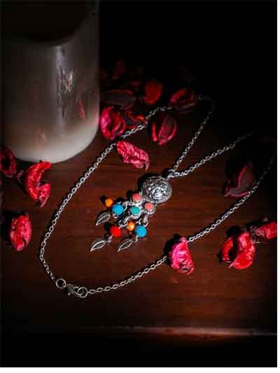 Alloy Metal Tri-Shooter Fashion Necklace with leaves for Women
