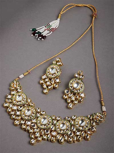 Gold Toned Kundan Stone Studded Statement Jewellery Set