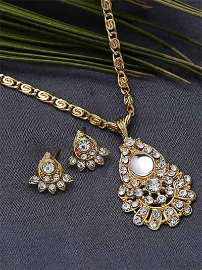 Embellished Golden Pendant Necklace Set