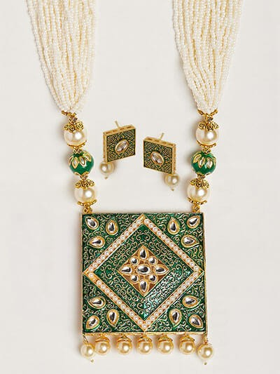 Green Kundan and Pearl Square Pendant Necklace Set