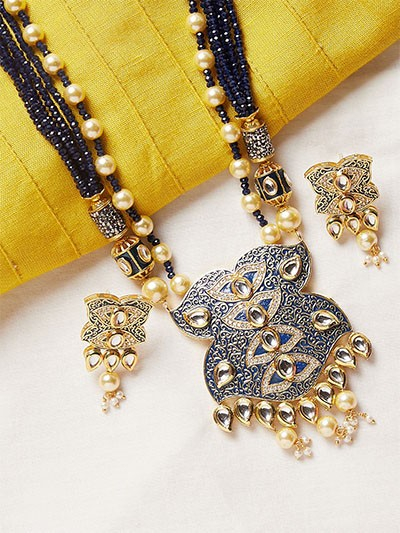 Blue and Golden Kundan Pendant Necklace Set