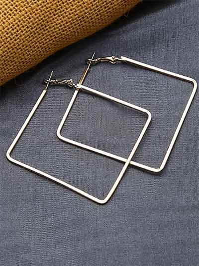 Lightweight Golden Square Earrings