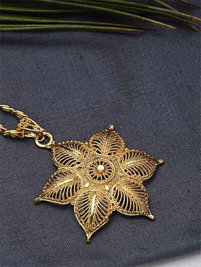 Classic Golden Flower Ethnic Pendant Necklace