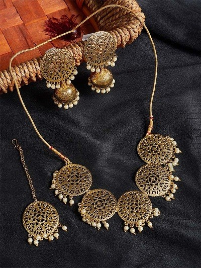 Floral Motifs Handmade Necklace Set With White Hanging Pearls