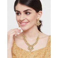 Gold Toned Kundan Studded Handcrafted Necklace Set