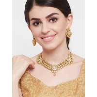 Gold Toned Kundan Studded Handcrafted Necklace Set