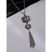 Grey Flowers Necklace