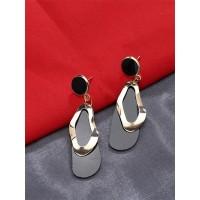 Lightweight Golden and Black Lead Dangle Earrings