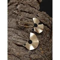 Lightweight Golden Flower Dangle Earrings