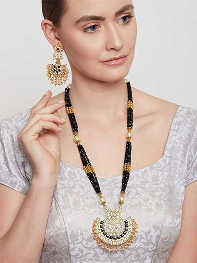 Golden & Black Gold-Plated Kundan Jewellery Set