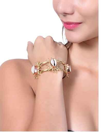 A total Classic Kori Shell Semi Precious Handmade Jewellery Cuff Bracelet