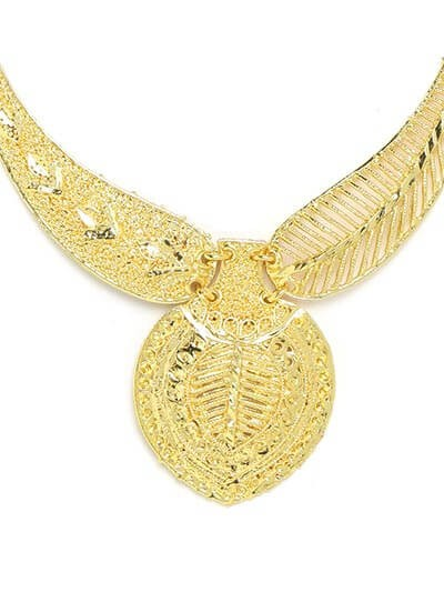 Golden Leaf Necklace Set with Floral Motifs