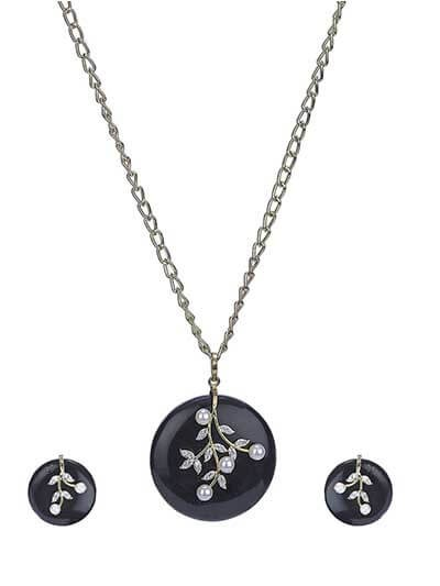 Graceful Black Stone Designer Fashion Necklace Set
