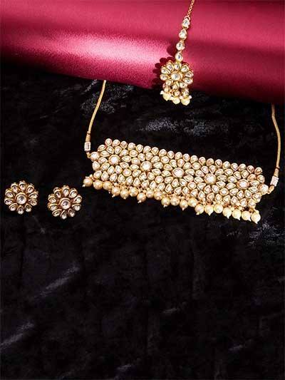 Gold-Plated Kundan Studded and Beaded Choker Necklace Set