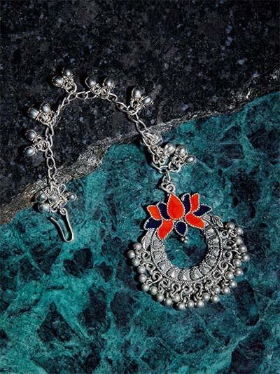 Silver Lotus Tribal Maang Tikka