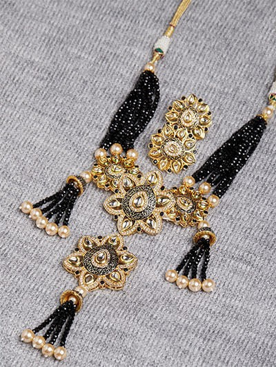 Black and Golden Kundan Necklace Set