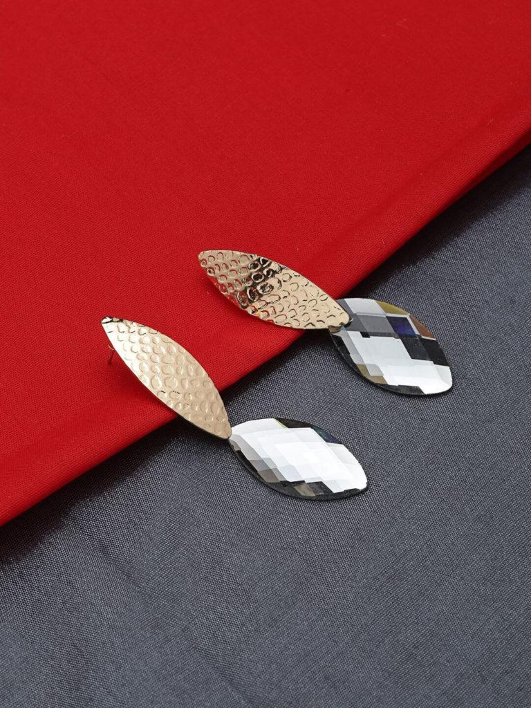 Minimalist Handmade Jewellery: Earrings