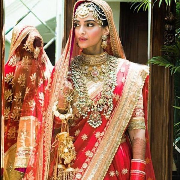 Everything you need to know about Sonam's Wedding Looks #sonamkishadi 5