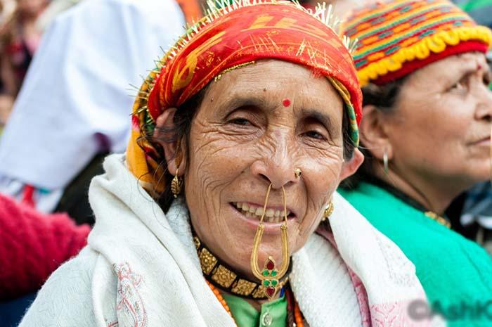 Traditional jewellery of Uttrakhand-bulaq