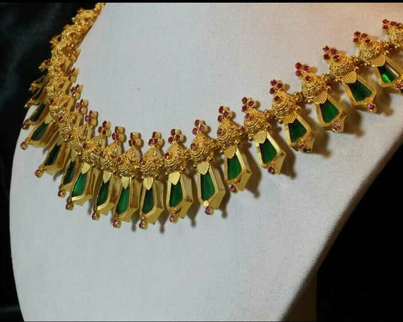 Traditional Jewellery of Kerala-Nagapadi Thali