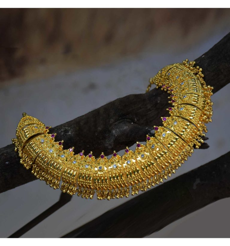 Poothali Mala is a fantastic addition to Kerala Wedding Jewellery Sets.