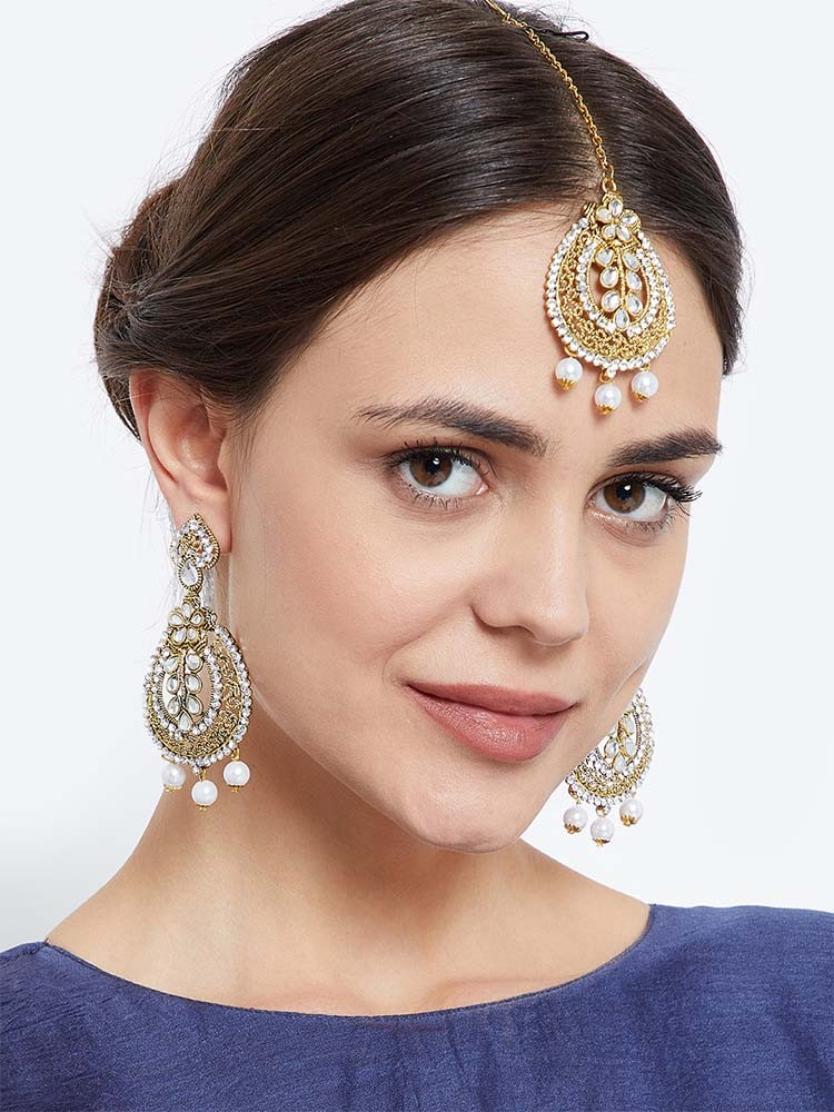 celebrity inspired earrings and maang tika jewellery set