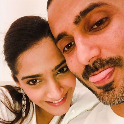 Here's how Anand Ahuja proposed Sonam Kapoor: WITHOUT A RING!