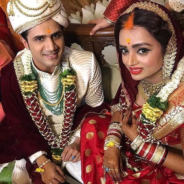 WHILE EVERYONE WAS BUSY SWOONING OVER #AMBANIWEDDING, WE SPOTTED 5 MORE CELEB-WEDDINGS THAT TOOK PLACE IN THIS WEEK!