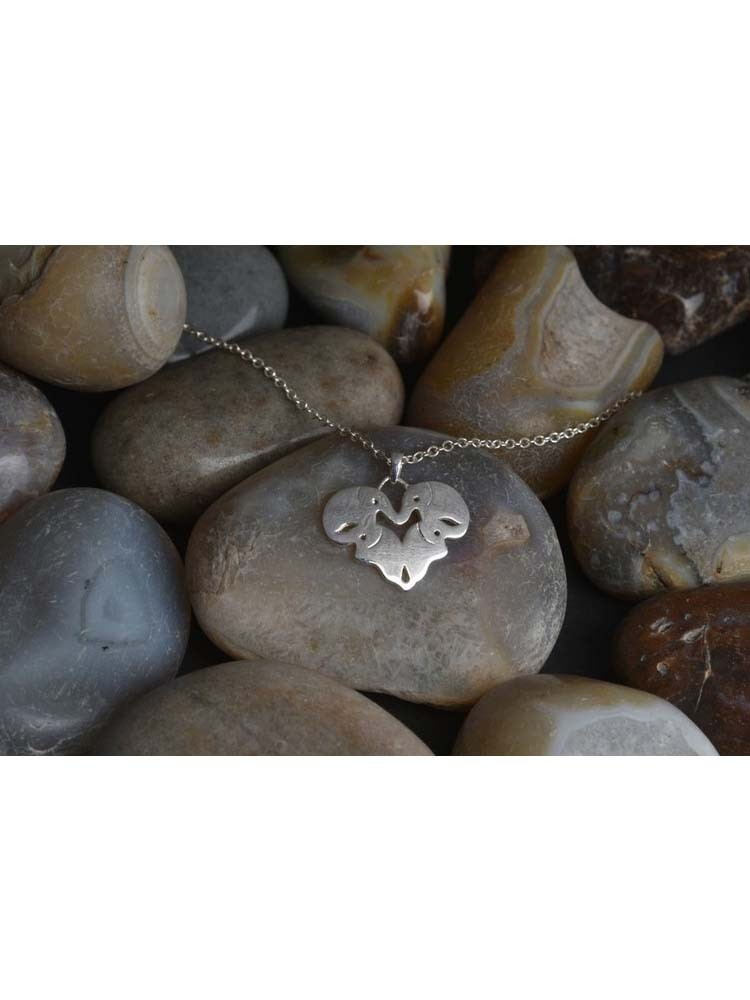 Top 5 Necklaces That Your GF Will Love This Valentine 4