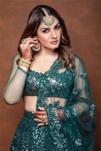 11 Times Raveena Tondon Stunned Us With Her Sleek Jewellery Sense 2