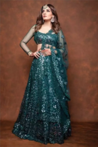 11 Times Raveena Tondon Stunned Us With Her Sleek Jewellery Sense 1