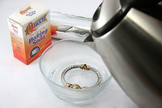 How to Clean Jewellery With Baking Soda?
