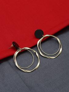 5 Hottest picks from 9 to 5 Office Wear Jewellery: Golden danglers