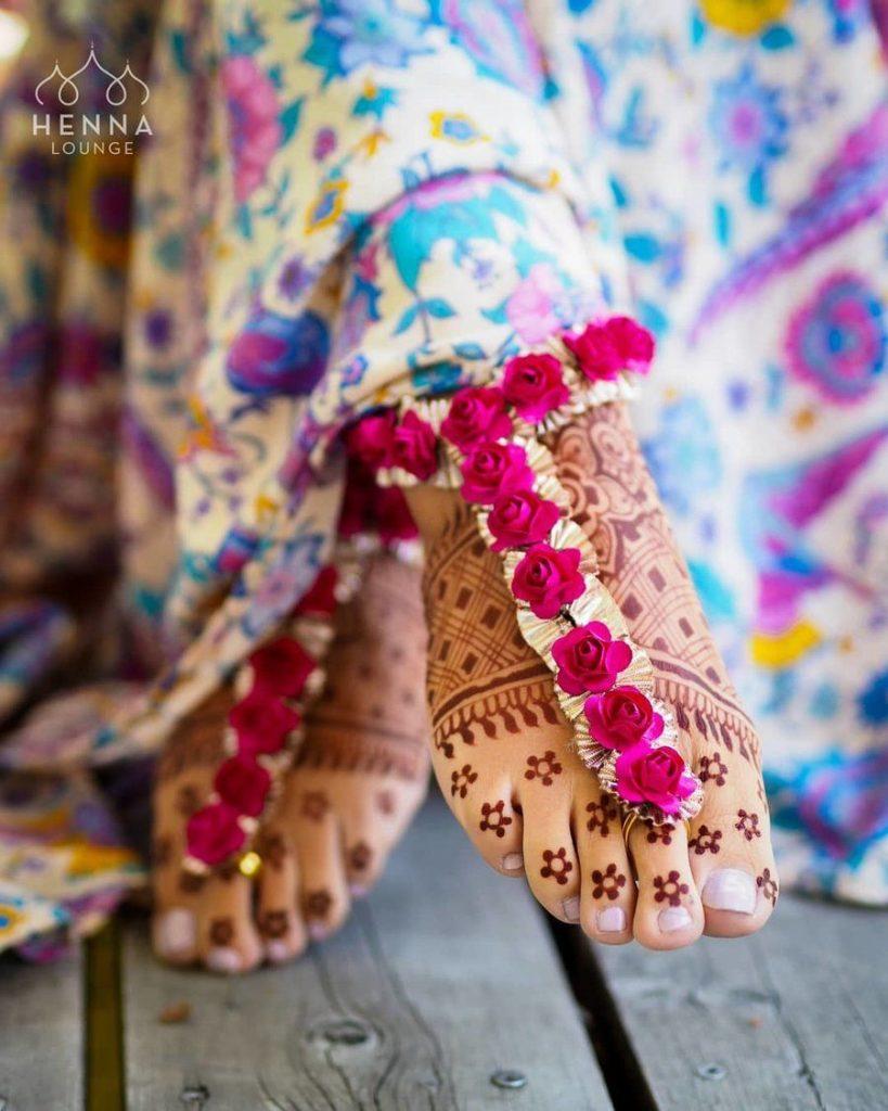 floral anklets design