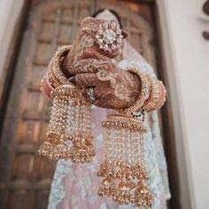 The Complete Guide: How To Pick Bridal Jewellery For Your Lehenga 1