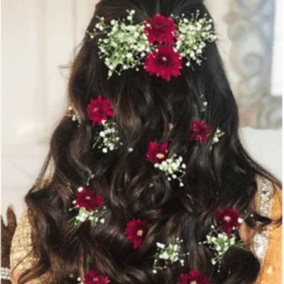 maang tika hairstyle