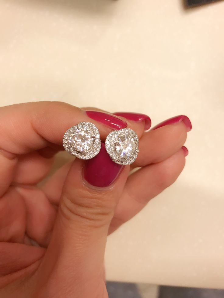 jewellery to match with simple hairstyle for women
