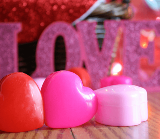 [Image Courtesy: https://www.overstock.com/guides/top-10-jewelry-gifts-for-valentines-day]